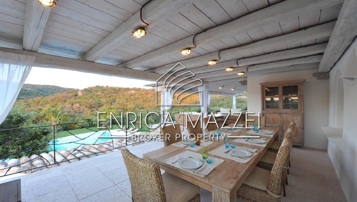 Elegante villa di generosa metratura piscina   Ideale per le tue vacanze