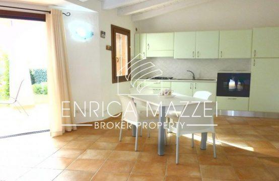 Costa Smeralda vendita |deliziosa villetta giardino ingresso indipendente
