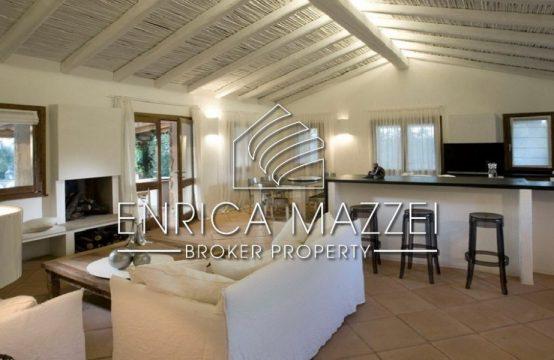 Un fresco angolo di tranquillità | vendesi villa a breve distanza da Porto Cervo