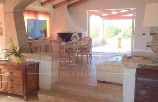 Costa Smeralda vendesi | elegante villa immersa nel verde