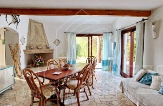 Costa Smeralda | vendita incantevole villa ampio  giardino