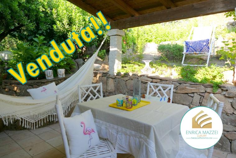 Porto Rotondo vendita | deliziosa villetta con giardino immersa ne verde