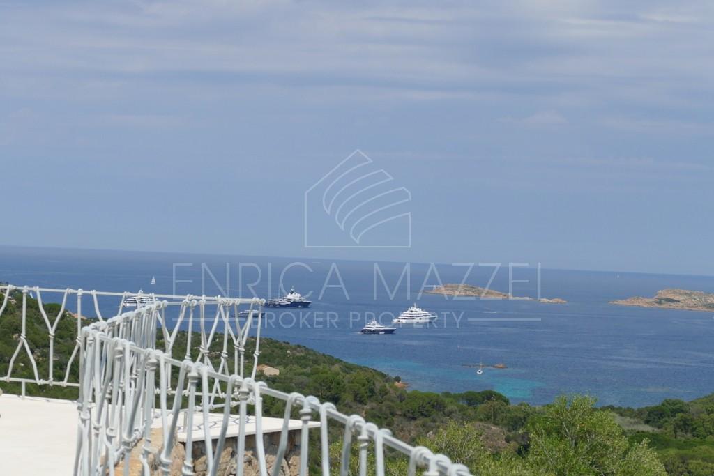 Costa Smeralda raffinata villa straordinaria con vista mare piscina | ideale per le tue vacanze