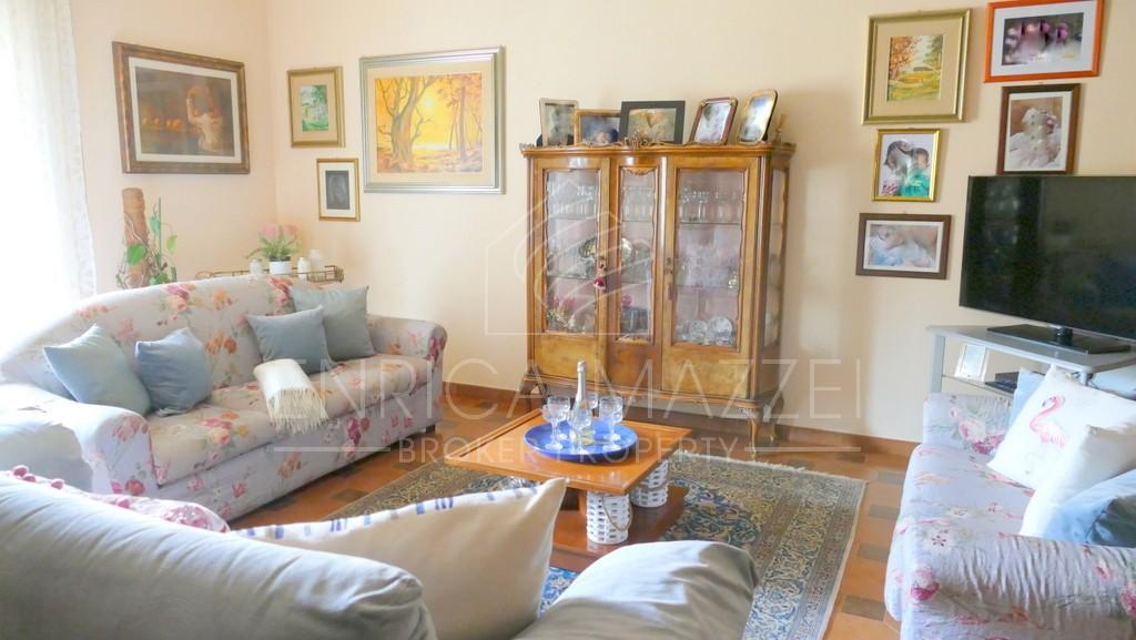 Arzachena vendita  ampio e luminoso appartamento