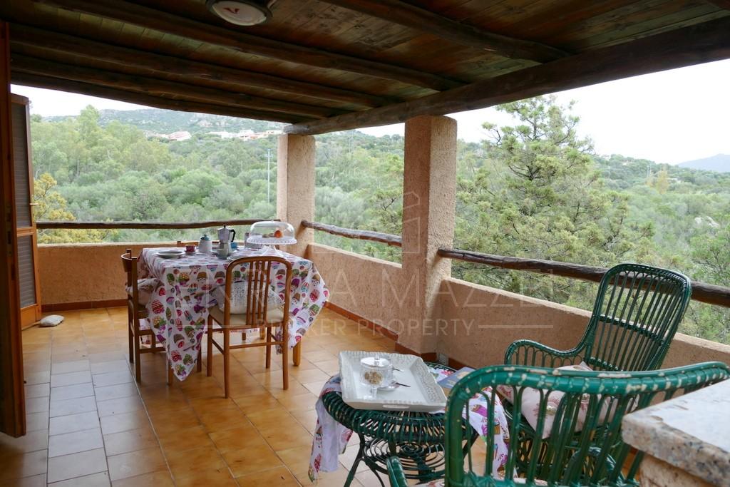 Porto Rotondo vendita   spaziosa villetta veranda e giardino